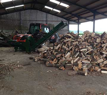 Mobile-Seasoned-Firewood-Processing-on-Site